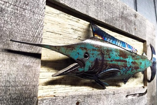 blue marlin with pallet frame